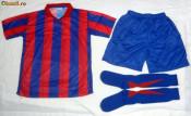 Echipamente / set / compleu  de fotbal rosu-albastru seniori si juniori / copii ieftine foto