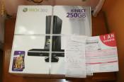 PACHET SIGILAT GARANTIE ALTEX  Xbox 360 Slim 250GB CU Kinect sensor + joc Adventures Consola Microsoft foto