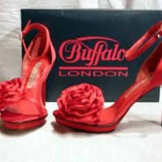 Sandale dama Buffalo, Rosu - Minunate ! Sandale de gala pentru femei, rosii, din saten (9900-380 RED) REDUCERE EXCEPTIONALA DE PRET