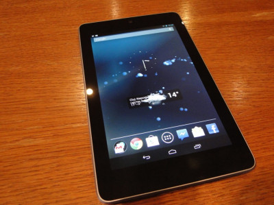 Google Nexus 7, 8 Gb, Wifi, Tableta   SUPER BONUS foto