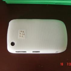 Livrare gratuita!!! Husa / carcasa termorezistenta White Ribbed Case pentru Blackberry Curve 8520, 9300, calitate + laveta microfibra