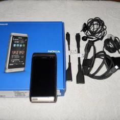 Telefon mobil Nokia N8, Verde, Neblocat - NOKIA N8, 8GB, camera 12MP, toate accesoriile originale+casca bluetooth originala