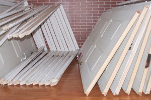Vand usi din lemn masiv, diferite dimensiuni, usor folosite foto