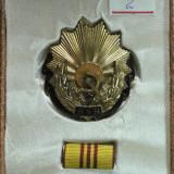 Medalii Romania - 2 - ORDINUL MUNCII CLASA A - III - A - CUTIE ORIGINALA