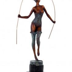 LOLITA - STATUETA DIN BRONZ PE SOCLU DIN MARMURA - Sculptura