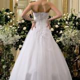 Vand rochie de mireasa model Calin Events