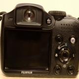 Vand aparat foto digital FujiFilm Finepix S5800 + baterii reincarcabile + filtru polarizare