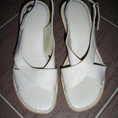 Saboti dama - Pantofi / saboti de la Banana Mama, piele naturala; marime 38 (25.5 cm talpic)