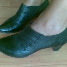 Pantofi dama, Marime: 38, Negru - Pantofi din piele marimea 38, sunt noi!
