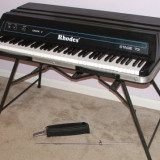Pian Altele electric Fender Rhodes Mark V Stage 73