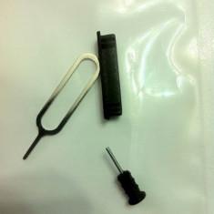 Dop Silicon Jack Casti+Intrare Cablu Apple iPhone 3G 3GS 4 4S Kit Praf negru+ CHEITA SIM-TRAY