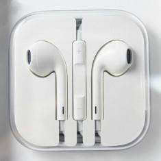 Casti Telefon, iPhone 5/5S, Alb, In ureche, Pliabile, Comenzi pe fir - Casti compatibile iphone 5, iPad mini, iPad