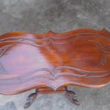 Masuta lemn masiv,sculptata manual.
