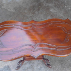 Masuta living - Masuta lemn masiv, sculptata manual.