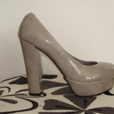 Pantofi dama, Marime: 39, Bej - SUPER OFERTA !!! Pantofi nude din lac, toc inalt gros si platforma, cumparati din Italia, mar. 39, NOI !!!