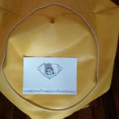 Set deosebit colier perle 110cm + brosa portelan aurit - Set bijuterii handmade si fashion