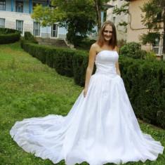 Rochie de mireasa cu trena - Rochie de mireasa printesa