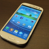 Vand samsung galaxy s3, i9300 32GB - Telefon mobil Samsung Galaxy S3, Alb, Neblocat, Quad core