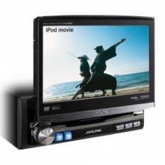 DVD Player auto - Unitate multimedia cu display motorizat Alpine IVA-D106R