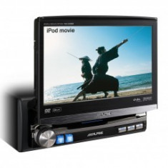 Unitate multimedia cu display motorizat Alpine IVA-D106R - DVD Player auto