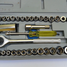 Set / Trusa Crichet + chei tubulare - Cheie mecanica