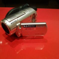 Vand camera video sony DCR 406 stare foarte buna, DVD, 4-4.90 Mpx, CMOS, 2 - 3