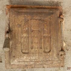 Metal/Fonta - Usa din fonta veche pentru soba teracota, reducere