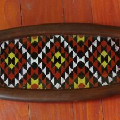 Veche tava din lemn cu sticla pictata manual - motiv traditional romanesc - piesa deosebita !!!