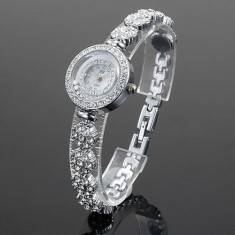 Ceas dama Guess ALIAS KIM (SUA) by FOSSIL argintiu cu pietre cristale albe bratara flori lux elegant, quartz, pret site 125 $+cutie cadou+card garantie, Casual, Inox, Analog