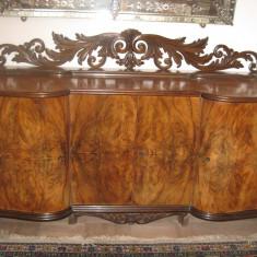 Set mobila living - Mobila de sufragerie sculptata manual din lemn de nuc in stare impecabila, din 1960, negociabil