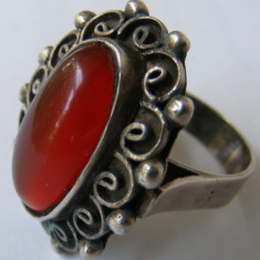 Inel argint - Inel vechi din argint cu chihlimbar de dimensiuni mari - de colectie