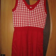 Rochita tricotata- cu rosu si alb - Rochie tricotate