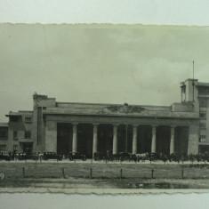 Carti Postale Romania dupa 1918 - GARA DE NORD - BUCURESTI - ANIMATIE TRASURI SI TAXIURI DE EPOCA - PERIOADA INTERBELICA
