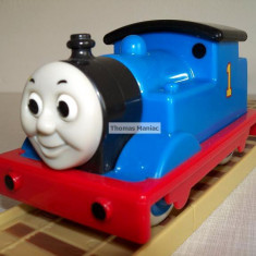 Trenulet de jucarie Thomas and Friends, Plastic, Unisex - My First Thomas by Golden Bear trenulet - Thomas ( CU SUNETE) locomotiva albastra cu nr.1 ( transport 2.6 RON la plata in avans )