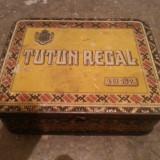 Cutie veche de tutun inscriptionata tutun regal
