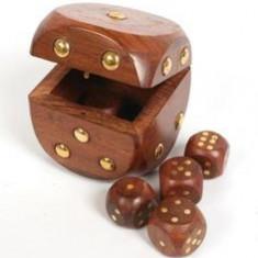 Zar caseta cu 5 zaruri in interior - Joc colectie
