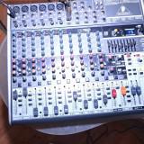 Vand Mixer Behringer Xenyx 1832 USB