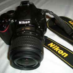 Vand NIKON DSLR D5100 la pret atractiv! cu 2 obiective NIKKOR 18-55 si 55-200, telecomanda, filtru UV-protectie obiectiv, 2400 cadre, 2 ani garantie! - Aparat Foto Nikon D5100, 16 Mpx