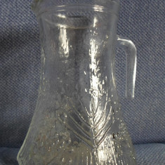 FRUMOASA CARAFA DIN STICLA CU MODEL VEGETAL, IN RELIEF - Vesela sticla