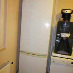 Whirpool CB391W - Combina Frigorifica Whirlpool, Automat, A, Alb, 300-400 l