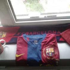 Tricou echipa fotbal Nike - Tricou barcelona marimea M, caciula, fular, cana, mingie cu autografe, originale