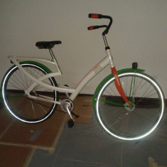 Bicicleta retro, 12 inch, 24 inch, Otel, Alb - Vand bicicleta culoare alb cu verde aspect deosebit, schimbator in butuc shimano