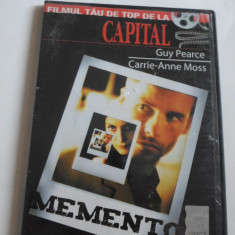 Film - MEMENTO - Guy Pearce, Carrie-Anne Moss - C13 - Film thriller, DVD, Romana