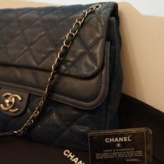 Geanta Dama - Vand Geanta Chanel Flap Bag Dark Blue