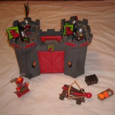 Playmobil 4440 - Castel portabil - cavalerii lup cu catapulta