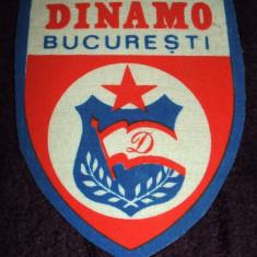 RSR anii 80, Emblema fotbal DINAMO Bucuresti, ecuson cu sigla din Epoca de Aur