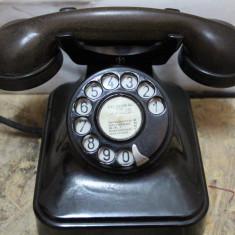 Telefon vechi model Grigore Preoteasa, Bucuresti 1948; Telefon cu disc metalic