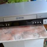Vand videorecorder PANASONIC, MODEL NV-HV50, silver, stare foarte buna