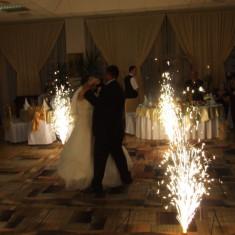 Artificii de interior pentru dansul mirilor