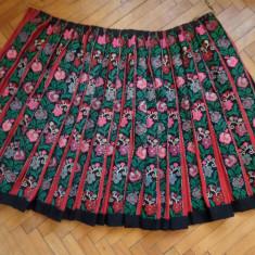 Costum popular - ZAVELCA / VALNIC ZONA MEHEDINTI